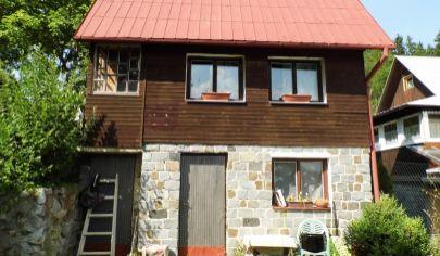 BYSTRIČKA murovaná chatka na poz. 760m2, okr. Martin