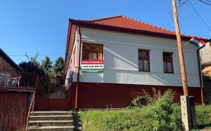 MAĎARSKO - HEJCE  4 IZBOVÝ RD V TICHOM PROSTREDÍ OBCE S NOVOU STRECHOU
