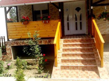 Predáme rodinný dom - Maďarsko - Szalaszend - zariadený - LEN SA NASŤAHOVAŤ