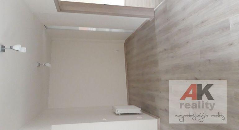 Prenájom 2 izbový byt Bratislava-Vrakuňa, Hradská