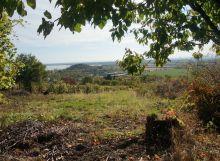 Pozemok s krásnym výhľadom na Z. Šíravu