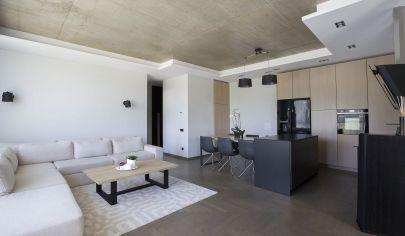 Zariadený 2 izbový byt s lodžiou na sídlisku JUH, prenájom, NZ