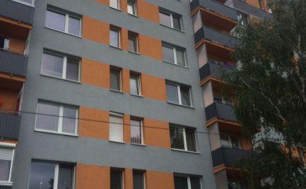 Priestranný 3-izbový byt Sereď
