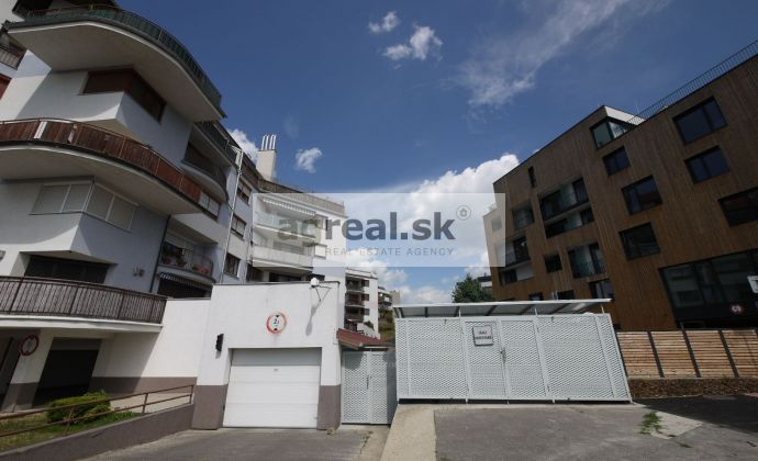 4-izbový (resp. 5) mezonetový byt Drotárska cesta - 218 m2 + terasa 59 m2
