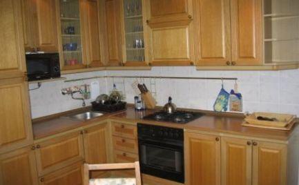 Ponúkame do prenájmu 3-izbový prerobený a zariadený byt v Ružinove v tichej lokalite na ulici Ondrejovová.