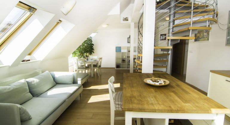 2 izbový mezonetový byt v centre mesta na Grösslingovej ulici