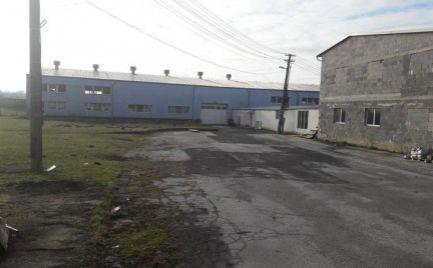 Predám výrobno - skladovací areál - 25km Nitra.