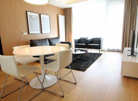 Na prenájom nadštandardný 2 izbový byt v Panorama City s parkovacím miestom
