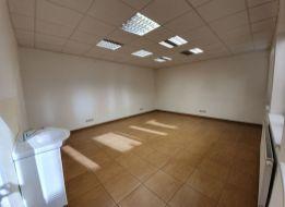 35 m2 KANCELÁRSKY PRIESTOR V CENTRE SENCA, LICHNEROVA UL.