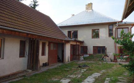 Rodinný dom s krásnym 1862 m2 pozemkom v Melčiciach-Lieskovom