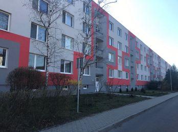 ***NA PRENÁJOM: Zariadený 1 izbový byt so samostatnou spálňou v CENTRE mesta Malacky!!!