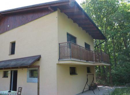 Murovaná poschodová chata na samote - Sokolovce