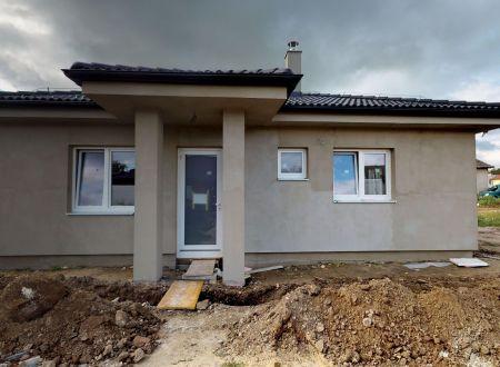 Nový 4 izb. rodinný dom /103,84 m2, pozemok 496 m2 /  Ivanovce