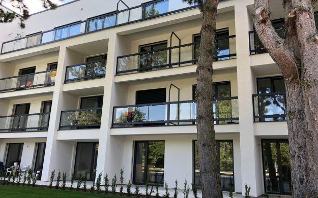 Luxusný 2 izb. apartmán /bazén, wellnes, parking/ Lodenica Piešťany