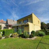 Exkluzívne iba u nás. Ponúkame na predaj veľmi pekný starší rodinný dom v Považskej Bystrici.