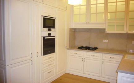 Ponúkame na prenájom 3-izbový byt s parkovaním na Palackého ulici pri Hviezdoslavovom námestí