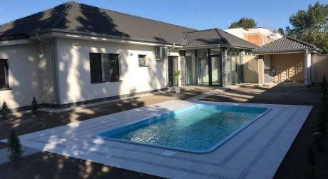 PREDAJ - Luxusná 4 izbová moderná NOVOSTAVBA s bazénom v Komárne DOHODA ISTÁ!