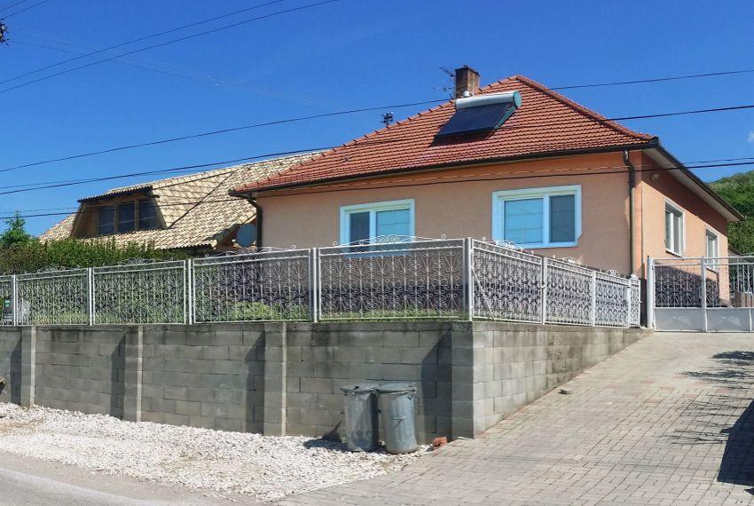 Predaj Rodinné domy Kamenica nad Hronom-1