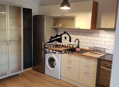 Prenájom 2 izb. zariadeného bytu s balkónom, v novostavbe na Veternej ul. v Šamoríne