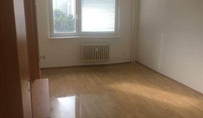 V Dúbravke Vám ponúkame na predaj 1 izbový byt, Drobného ulica, 4/12 posch.