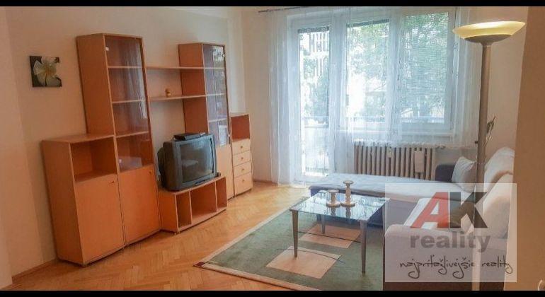 Prenájom 3 izbový byt Bratislava-Ružinov, Solivarská