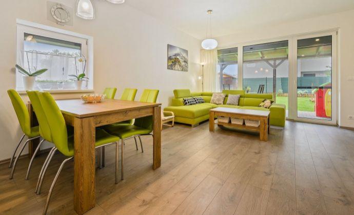 Ponúkame na predaj zariadený 4 izbový byt v novostavbe trojdomu v Stupave s vlastnou záhradou