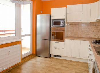 REZERVOVANÝ !!! PRIESTRANNÝ 3 izb. byt 76 m2 - po rekonštrukcii Pezinok, ul L. Novomeského