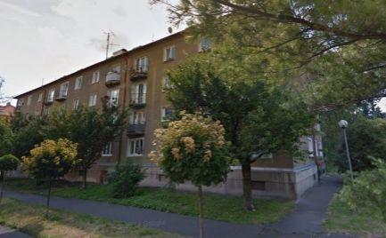 Veľký tehlový dvojizbový byt 62 m2,  v B. Bystrici - centrum – po kompletnej rekonštrukcii -  Cena 112 000€