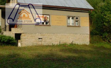 Rezervovaný rodinný dom s veľkým pozemkom v obci Lazy pod Makytou-Dubková