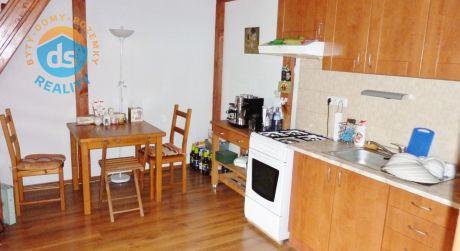 Na prenájom zariadený 2 izbový byt, 45 m2, Trenčín, Mierové námestie