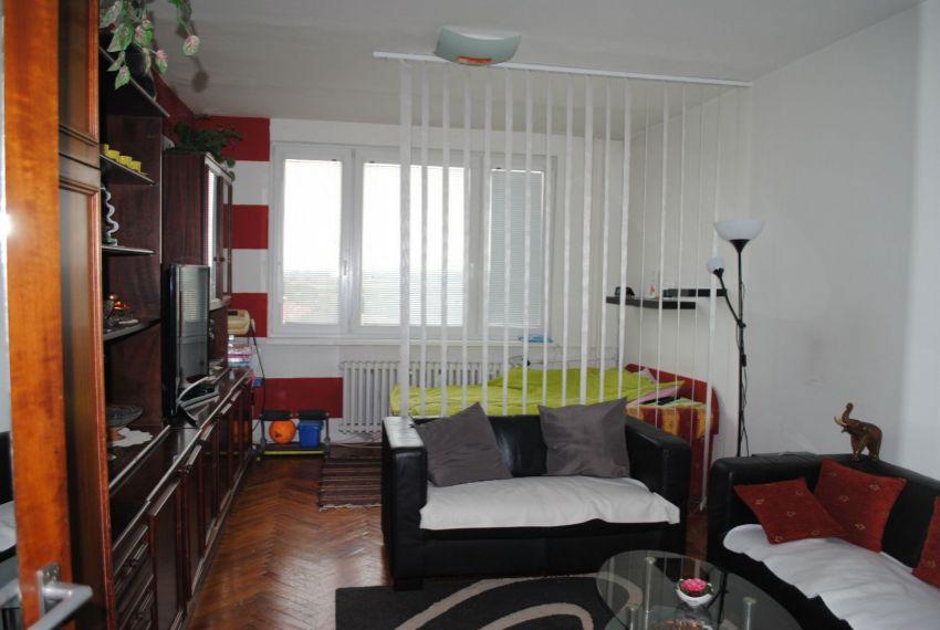 Predaj 2 izbový byt Želiezovce-3