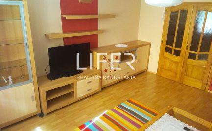 ZĽAVA 6 000€ - Ponúkame na predaj LUXUSNE zrekonštruovaný 3 izbový byt v Čadci.