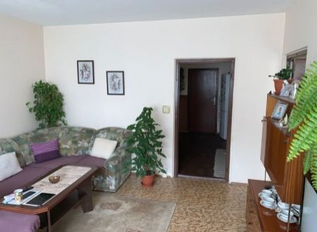 Na predaj 3 i byt s balkónom v Partizánskom Šípok