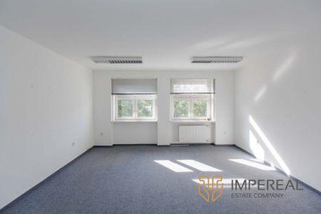 IMPEREAL - Prenájom - kancelárske priestory 29m2 , 3.NP. Záhradnícka ul., Bratislava II,