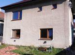 Rodinný dom alebo chalupa v pokojnej obci, Michalová