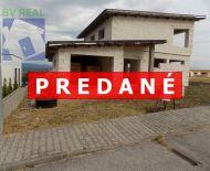 REZERVOVANÉ - Exkluzívne na predaj rozostavaný rodinný dom 643 m2 Kanianka 19033