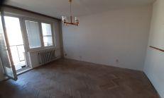 Na predaj 1 izbový byt vhodný na rekonštrukciu, centrum