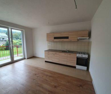 Ponúkame na predaj posledné voľné 3 izbové byty v obci Kolárovice.