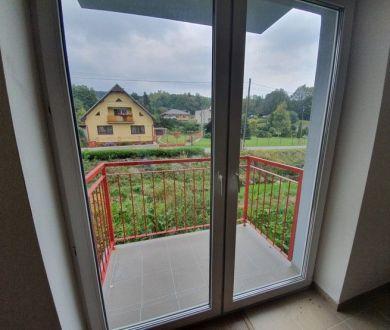 Ponúkame na predaj posledné voľné 2 izbové byty v obci Kolárovice.