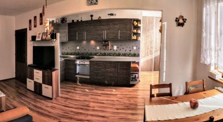 Kuchárek-real: Ponuka 3 izbového bytu s garážou v obci Veľký Biel.