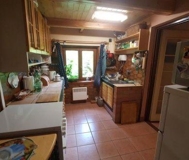 Ponúkame na predaj krásnu chatu neďaleko Považskej Bystrice.