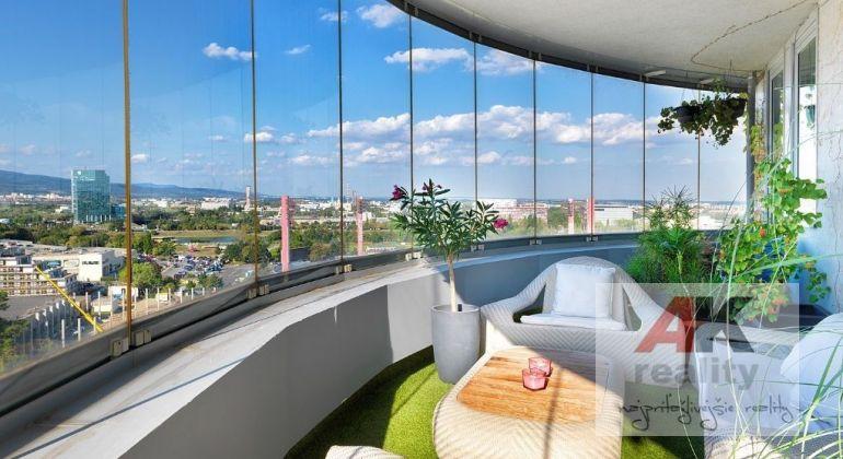 Predaj 4 izbový byt Bratislava-Nové Mesto, Bajkalská ulica