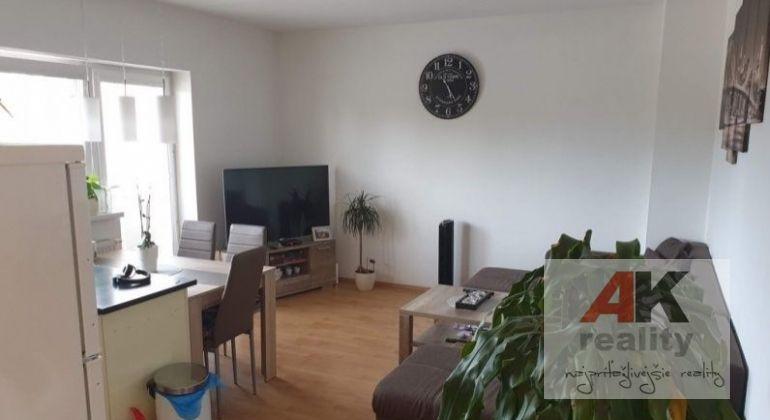 Predaj 2 izbový byt Bratislava-Podunajské Biskupice, Staromlynská ulica