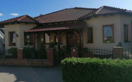 Ponúkame na predaj veľmi pekný rodinný dom v Malackách