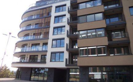 Ponúkame do prenájmu 2 izbový moderný byt s priamym výhľadom na Dunaj v novostavbe Zuckermandel na Žižkovej ulici