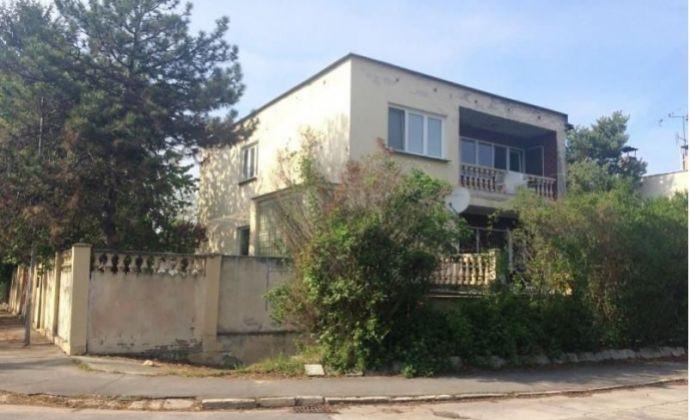 Veľký 6 izb.rodinný dom na bývanie aj podnikanie v Šamoríne