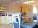 Predaj zariadeného 3 izb.podkrovného bytu s vlastným kúrením, 83m2 + garáž, Veterná ulica
