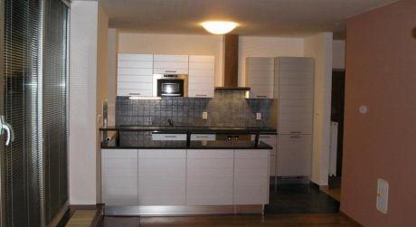 Prenájom luxusného 5 izbového bytu v novostavbe na Údolnej ulici v centre
