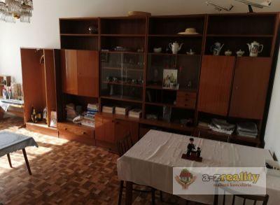 2863 Na predaj veľký 3-izb.byt v Nových Zámkoch