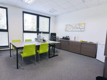 NOVOSTAVBA - 2 kancelárie 50m2 v polyfunkčnej budove + 2x parkovacie miesto, alarm, klimatizácia